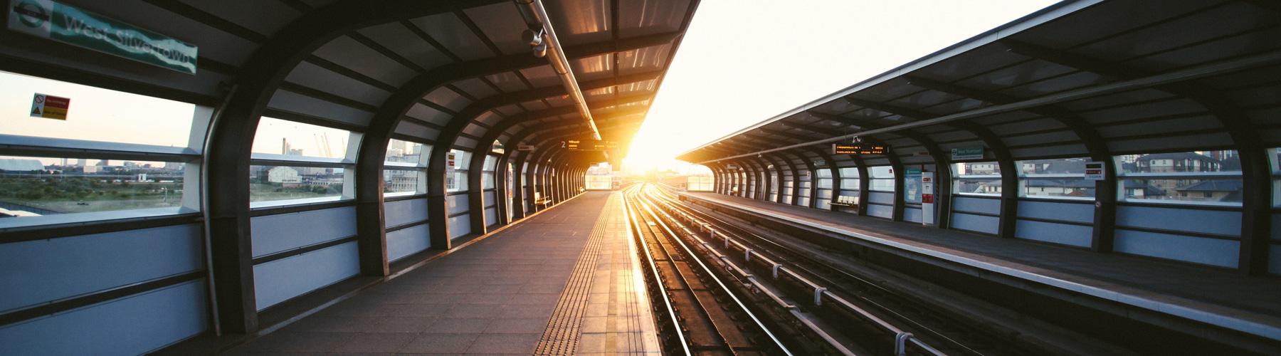 Train_Platform_S_Charles_1800x500